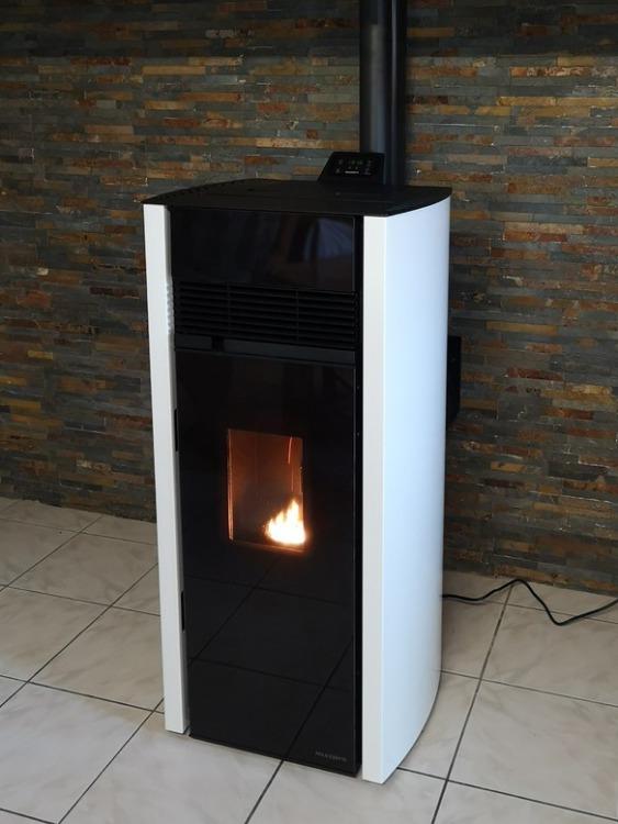 Poêle granules 12 kW canalisable en Aveyron