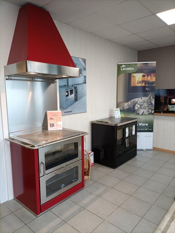 Cuisinière bois DE MANINCOR et LACUNZA AVEYRON - LOT - CANTAL
